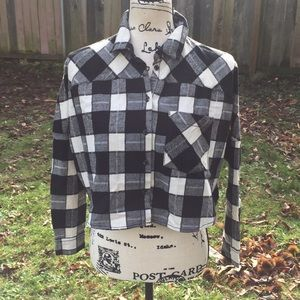 NWT UO Cropped top flannel size XS
